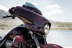 The 2019 CVO Street Glide is the pinnacle of the custom touring look, and it's loaded with power. Custom touring style meets the strength of a Milwaukee-Eight Twin-Cooled 117 Engine. It's your turn to go big. Harley Davidson Street Glide, Harley Davidson Sportster, Harley Davidson Motorcycles, Motorcycle Types, Motorcycle Garage, Street Glide Special, Biker Style, Your Turn, Cool Bikes