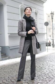 http://minimalissmo.blogspot.com/2017/01/stylizacja-minimalistyczna-blog-o-modzie.html