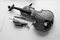 El trabajo del Luthier by Fernando C., via 500px