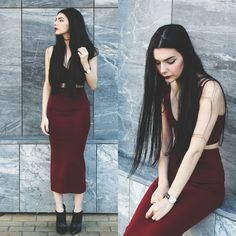 Holynights Claudia - Young Hungry Free Crop Top, Frontrowshop Knit Midi Skirt, Little Mistress Ankle Boots - B o r d e a u x