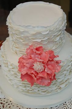 Daily Wedding Cake Inspiration (New!). To see more: http://www.modwedding.com/2014/07/29/daily-wedding-cake-inspiration-4/ #wedding #weddings #wedding_cake Featured Wedding Cake: One Sweet Slice