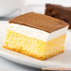 Low-Carb-Kuchen mit Vanillepudding und Schokoglasur Low Carb Desserts, Low Carb Recipes, Weight Watchers Kuchen, Low Carb Torte, Law Carb, Low Carb Cheesecake Recipe, Healthy Family Dinners, Cake & Co, Keto Brownies