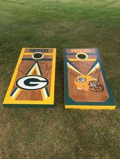 Corn hole boards for the best team ever! Born and raised in Green Bay, forever loyal to the Green and Gold. Giant Yard Games, Backyard Games, Wood Projects, Craft Projects, Craft Ideas, Bean Bag Boards, Cornhole Designs, New Project Ideas, Corn Hole Game
