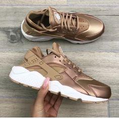 Nike Air gold huaraches