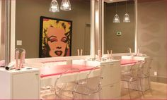 Marilyn Monroe Bathroom Decor Elegant Bathroom Home Decor Marilyn Monroe Bathroom Decor Ideas Marilyn Monroe Bathroom, Blo Blow Dry Bar, Makeup Artist Chair, Salon Stations, Home Salon, Salon Style, Salon Design, Spa Design, Beauty Bar