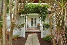Oasis Swimming Pool, Key West Rentals, Key West Sunset, Forest Plants, Garden Arbor, Victorian Cottage, Rooftop Deck, Cottage Style Homes, Luxury Estate