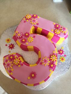 A last minute creation - gluten-free, soy-free, lactose-free birthday cake for a gorgeous five year old girl