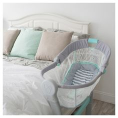 SwaddleMe By Your Bed Bedside Sleeper by Summer Infant - Gray/Blue