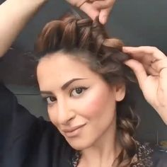 Gorgeous ideas for your hair :O ♥ By: Sarah Angius Trendfrisuren Frank, akkurater Mittelscheitel Easy Hairstyles For Long Hair, Girl Hairstyles, Braided Hairstyles, Curls For Short Hair, Medium Hair Styles, Curly Hair Styles, Hair Upstyles, Hair Videos, Makeup Videos