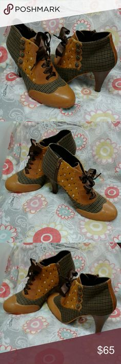 "POETIC LICENSE ""BETSEY BUTTONS"", OXFORD HEELS HERRINGBONE PRINT, ACCENTED WITH MUSTARD YELLOW LEATHER, TEXTURED FABRIC PANEL, RIBBON LACES, PETITE HERRINGBONE FABRIC BUTTONS, 4"" STACKED HEEL, 1"" PLATFORM, ☆☆☆☆CUTE, CUTE, CUTE☆☆☆ POETIC LICENSE Shoes Ankle Boots & Booties"