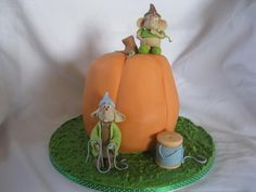 littlecscelebrationcakes cinderella pumpkin glassslipper ball
