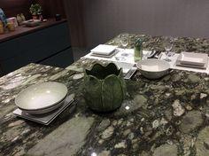 Cada Cocina tiene su propia Encimera Table Settings, Polished Concrete Countertops, Leaving Home, Natural Materials, Kitchen Furniture, Place Settings, Tablescapes
