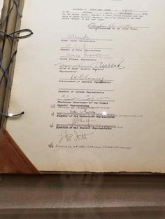 An excellent example of bad design, right from humankind's history. The surrender of Japan act, where the Canadian representative made a mistake, and it went wrong all over the place. #design #canadians Text Message Fails, Text Fails, Best Fails Ever, Photo Fails, Pop Culture News, Pinterest Fails, Cute Messages, Inference