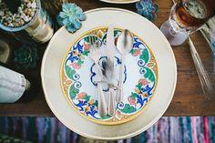 mesa indie. mesa posta, como receber, decoração mesa, indie tablescape, indie decor