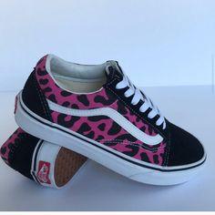 Leopard Sneakers, Shoes Sneakers, Box Van, Pink Vans, Vans Old Skool, Black Suede, Accessories, Outfits, Clothes