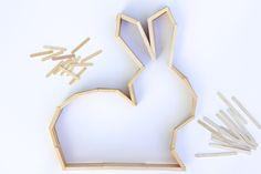 This bunny shelf makes a perfect Easter craft idea for Spring or DIY nursery decor to enjoy year round! Make it out of popsicle sticks using the…