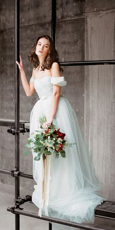 Arsenia // Grey tulle wedding dress - low back wedding gown - boho romantic…