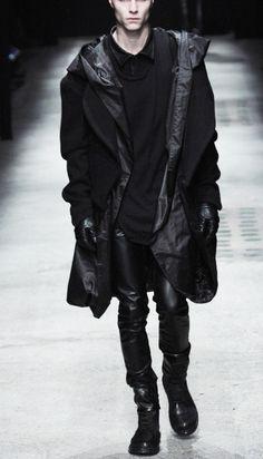Minimal black fashion