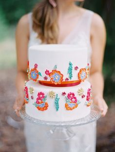 Boho inspired wedding #cake design | Photography: Marina Koslow Photography - marinakoslowphotography.com  Read More: http://www.stylemepretty.com/2014/08/14/colorful-wedding-cake-inspiration/