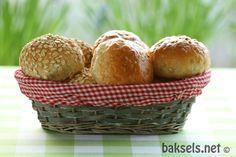 baksels.net | Bolletjes met haver: http://www.baksels.net/post/2015/02/04/Bolletjes-met-haver.aspx #recipe #bread #oat