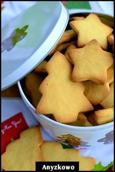 The easiest cookies in the world and also the tastiest. Very delicate and fragile at the same time. Taste reminiscent of childhood. Polish Desserts, Polish Recipes, Polish Food, Sweets Recipes, Snack Recipes, Cooking Recipes, Dessert Drinks, Piece Of Cakes, Yummy Cookies