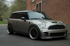 Suspension - Show pics of your lowered MINI S! - Really wanting to lower the mini! John Cooper Works, Mini Cooper Custom, Mini Copper, Mini Cooper Clubman, Mini Stuff, Car Stuff, Cute Cars, Small Cars, Jdm Cars