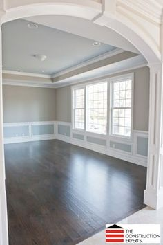 Benjamin Moore Wales gray on ceiling, Northern Cliffs 1536 on walls. Interior Paint Colors, Paint Colors For Home, House Colors, House Arch Design, Colored Ceiling, Ceiling Color, Room Paint, House Painting, Interior Design Living Room