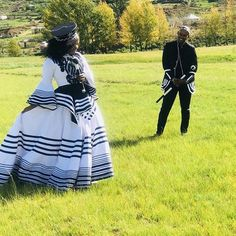 XHOSA WEDDING DRESSES are tasteful dresses shock that has ended up being wild recognized in vanguard African couture culture. African Traditional Wedding Dress, Traditional African Clothing, Traditional Wedding Attire, Xhosa Attire, African Attire, African Print Wedding Dress, African Fashion Skirts, Color Blocking Outfits, Groomsmen Outfits