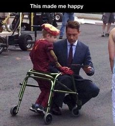 Faith In Humanity Restored - Robert Downey Jr really is a hero Dc Memes, Marvel Memes, Marvel Dc, Funny Memes, Sweet Stories, Cute Stories, We Are The World, In This World, Thanos Avengers