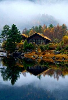 Cabins And Cottages: Lake House, Norway Cabin Homes, Log Homes, Ideas De Cabina, Cabin In The Woods, Cabin On The Lake, Cabins And Cottages, Log Cabins, Rustic Cabins, Lake Life