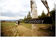 Ceremony, this way! A perfect rustic wedding sign.