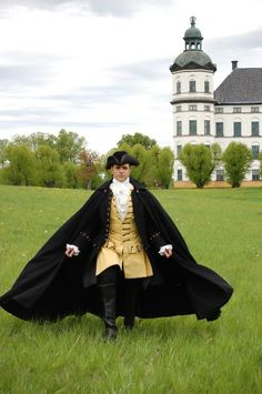 """Love this cloak! 18thC inspired costume from the """"Gustavian"""" era 1768-1792 . (c) Duran Textiles. Swedish 18th century textiles reconstructed in India then costumes fashioned in Sweden."""