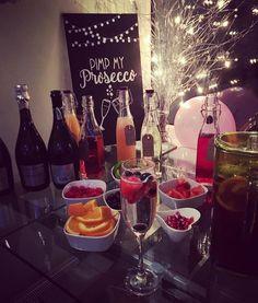 Pimp my prosecco wedding bubbles & juices