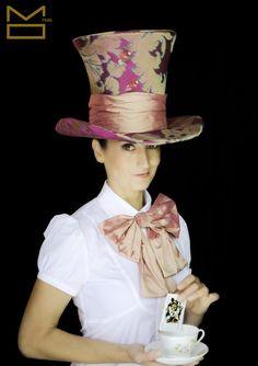 ¿Loco como un sombrerero?