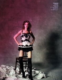 Natalia Vodianova by Peter Lindbergh for Vogue China May 2010, Dancer in the Dream 04