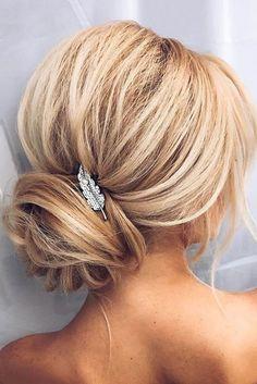 penteados-para-mãe-de-noiva- loiro acessorio