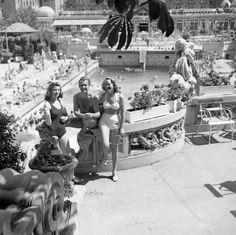 Budapest anno: több, mint nosztalgia...: Képek a Gellért fürdőből Old Pictures, Old Photos, Vintage Photos, Capital Of Hungary, Digital Archives, History Photos, Budapest Hungary, Historical Photos, The Past