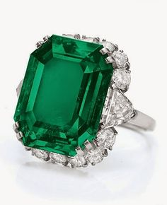 Searching For A White Gold Emerald Engagement Ring On The Web