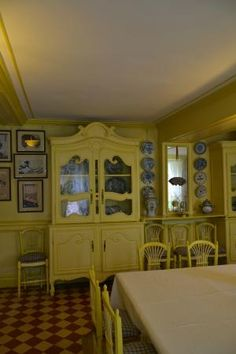 Giverny, France   The Home Of Claude Monet   Monet Was Quite A Cook And  Served His Meals In Style In This Colorful Dining Room. The Interior Ofu2026 |  Pinteresu2026