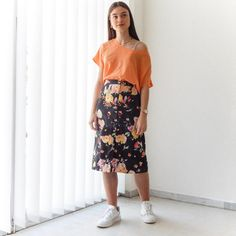 VIN-SKI-0760 Vintage φούστα μίντι φλοράλ μαύρη Vintage Skirt, Floral, Skirts, Fashion, Moda, Fashion Styles, Flowers, Skirt