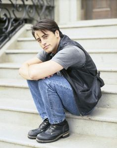 Matt LeBlanc young photos best and new movies tv shows early acting career height weight age. Joey Friends, Friends Cast, Friends Moments, Friends Tv Show, Friends Forever, Serial Friends, Friends Video, Joey Tribbiani, Crush Crush