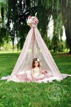 Girly photo session in pink, lace tent.