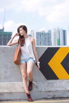 Summer outfit in bangkok Bag : pull & bear / short : gasoline jeans / shoes: dr. martens