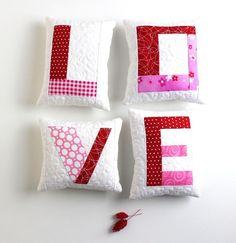 ~ Sewing: Project Cupid - Valentine mini pillows