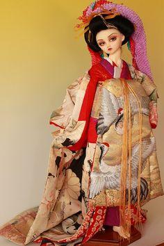 Oiran Ningyo by Miwa Maruta Japanese Doll, Japanese Kimono, Enchanted Doll, Nihon, Bjd Dolls, Ball Jointed Dolls, Japanese Culture, Little Girls, Snow White