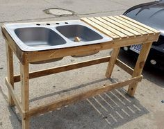 Pallet Furniture Projects Pallet Outdoor Sink Unit - 30 Pallet Projects That Will Make You Fall in Love Outdoor Kitchen Sink, Outdoor Sinks, Outdoor Kitchen Countertops, Outdoor Kitchen Design, Backyard Kitchen, Summer Kitchen, Kitchen Cart, Kitchen Island, Kitchen Sink Diy