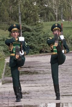 National Museum of Turkmenistan, the changing of the guards. They could always have a fall back career as a Rockette. Military Guard, Uniform Insignia, Gemini, Men In Uniform, Toy Soldiers, People Of The World, Kazakhstan, Central Asia, National Museum