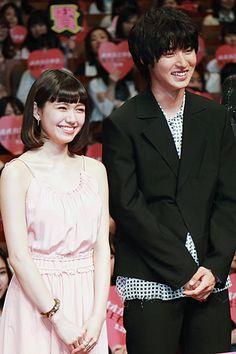 "[Full clip of Japan premier in Apr/27/16, LINE archives] https://live.line.me/r/channels/675/broadcast/4066        Kento Yamazaki x Fumi Nikaido, J LA movie ""Wolf girl n black prince"". Release: May/28/2016"
