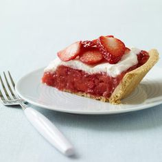 This pie is bursting with strawberry goodness - perfect for a summertime soiree. #recipe #WWLoves