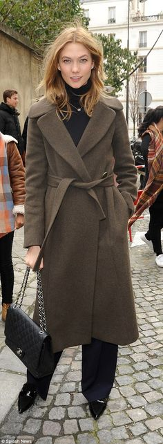 Kendall Jenner, Rosie Huntington Whiteley and Karlie Kloss head out in Paris | Daily Mail Online